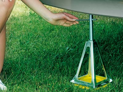 Strong aluminium jacks for caravans and motorhomes