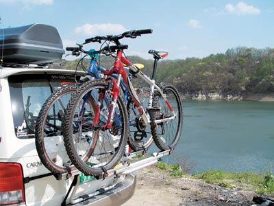 Universal bike rack for minivans